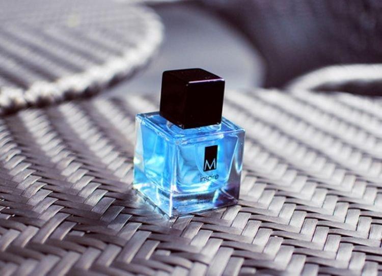 penasaran pakai parfum cowok?