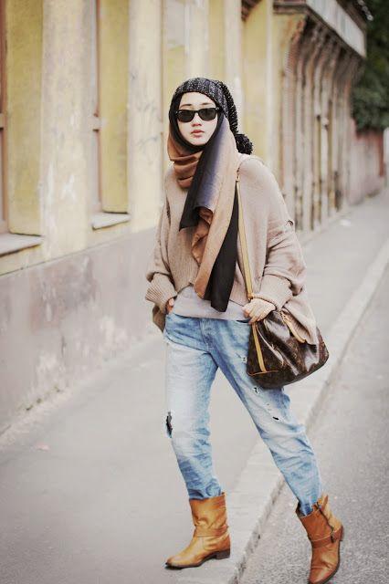 Jeans longgar tetap bikin kamu tampil stylish.