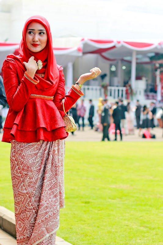 atasan peplum vs skirt batik