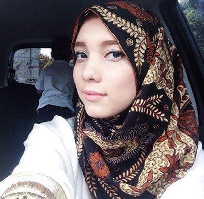 biar makin PD pakai hijab batik