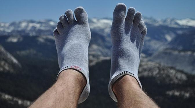 jangan lupakan kaos kaki ya