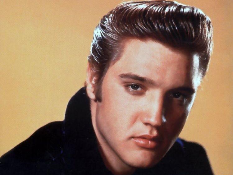 Mas Elvis caem bet pake pomade