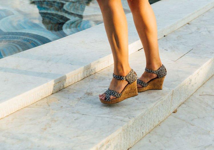 wedges, sepatu ajaib