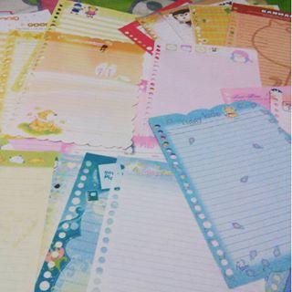 Tukeran kertas binder zaman sekolah.