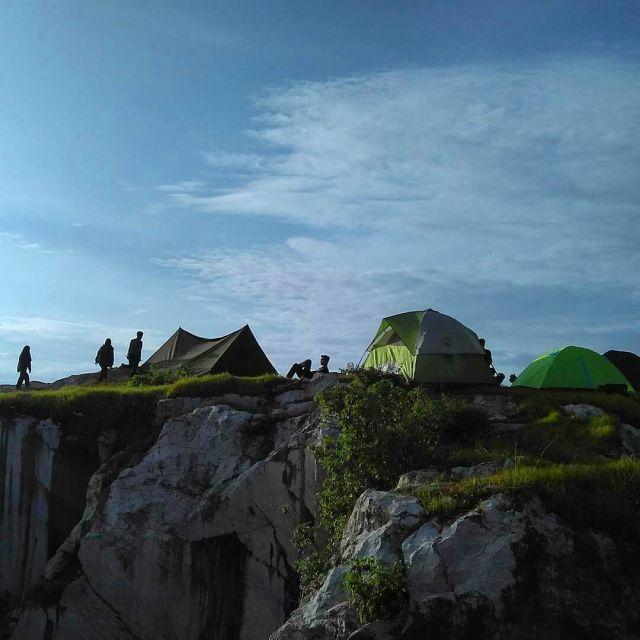 Camping diatas Tebing Hawu