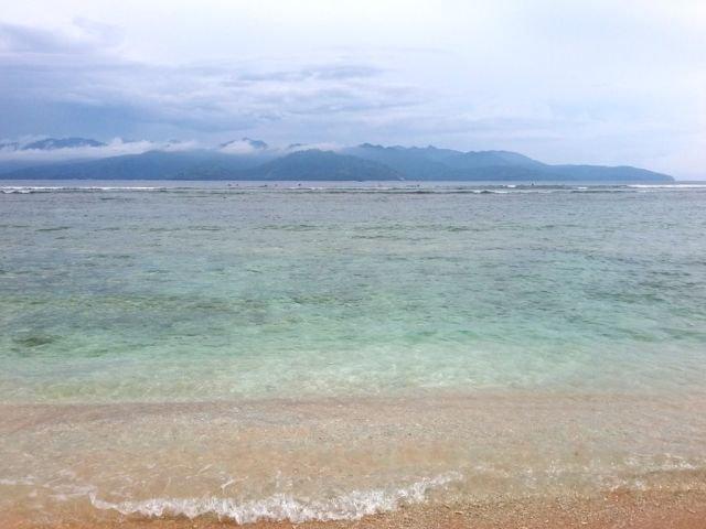 Pantai di Gili Trawangan, mendung dan syahdu