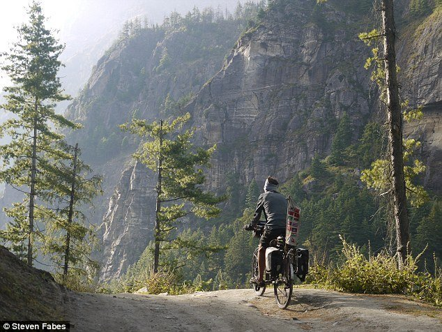 bersepeda keliling desa