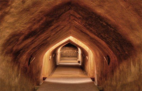 lorong menuju tamansari, gratis coiii