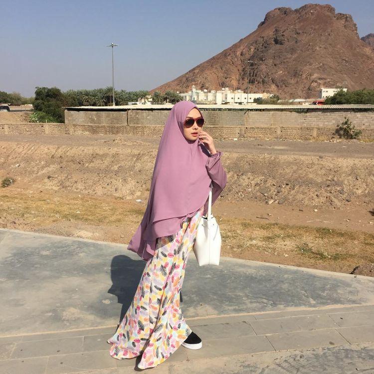 11 Penampilan Menawan Dengan Khimar Jilbab Yang Pas Untukmu Yang Ingin Tetap Sopan Dan Kekinian