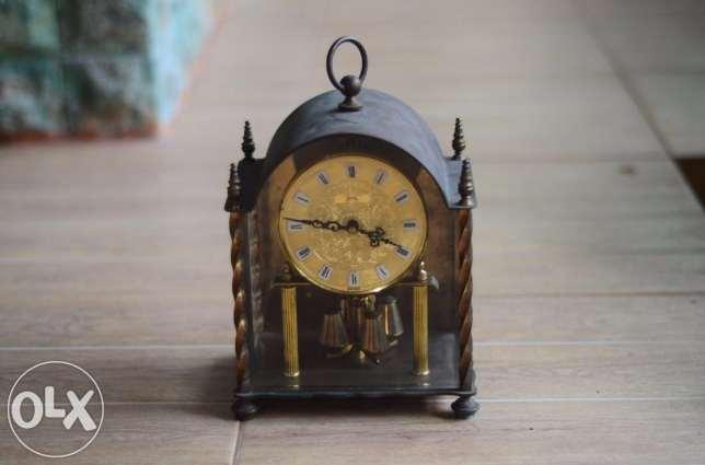 berikan kesan vintage pada meja dan rumahmu!