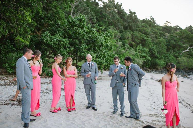 Bridesmaids-Bridal-Flip-Flops1-e1424668738592