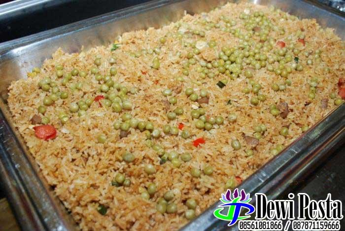 nasi goreng selalu ada di meja prasmanan