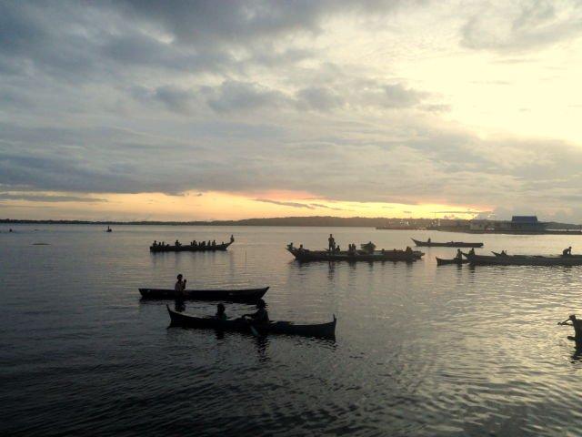 Senja di Pelabuhan Pangulubelo