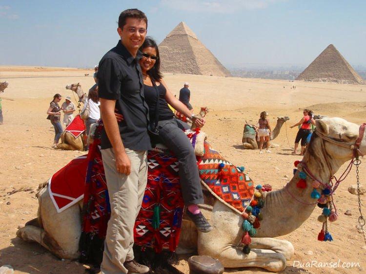 Dina dan Ryan di Egypt.