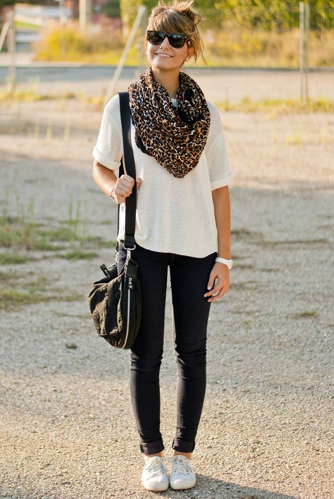 Leopard-Print-Scarf-White-T-shirt-Dark-Wash-Skinny-Jeans-And-White-Sneakers