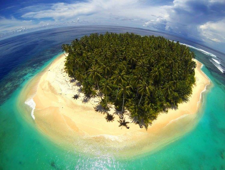 Pulau Mentawai.