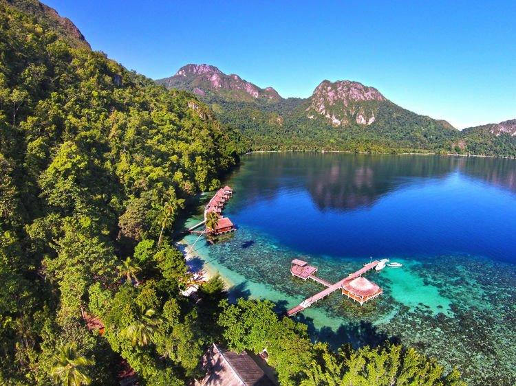 Pantai Ora, Pulau Seram.