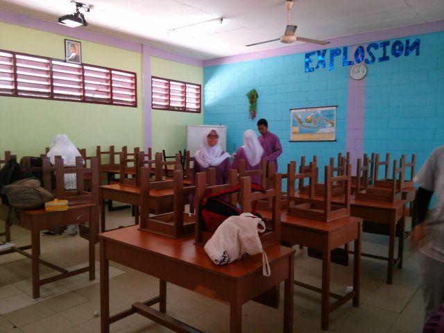 jadwal piket harian demi kebersihan kelas