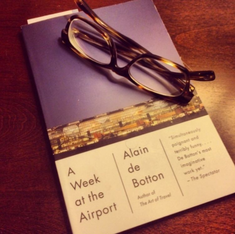 Seminggu di bandara?