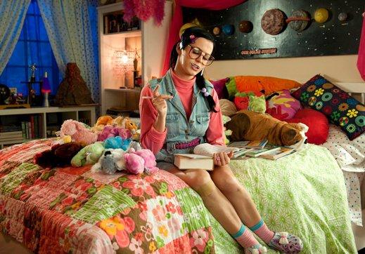 Alter egonya Katy Perry, bernama Katy Beth Terry.