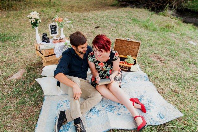 http://haiineola.com/wp-content/uploads/2016/02/Menjelajah-atau-traveling-bersama-layaknya-romantic-picnic.jpg