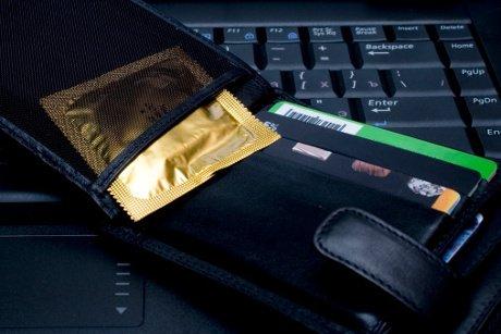 Kebiasaan yang bikin kondom rusak