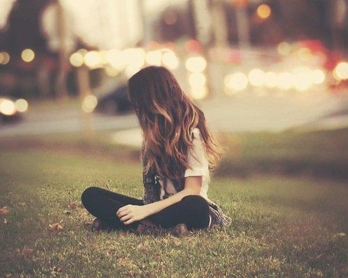 meski tahu segalanya sudah berlalu, rasa itu sulit sekali dihapuskan