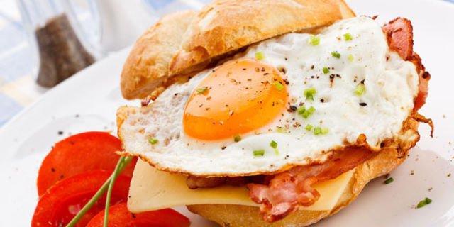 http://cdn.klimg.com/vemale.com/headline/650x325/2013/07/sarapan-sehat-dan-nikmat-telur-panggang-dengan-bayam-dan-tomat.jpg