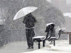 hujan tak menghalanginya datang saat kamu minta bantuan