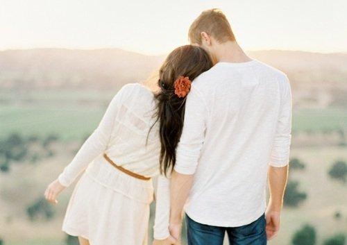 Ketika dia memberikan perhatian sama kamu, kamu berharap akan berujung romantis seperti ini kan?