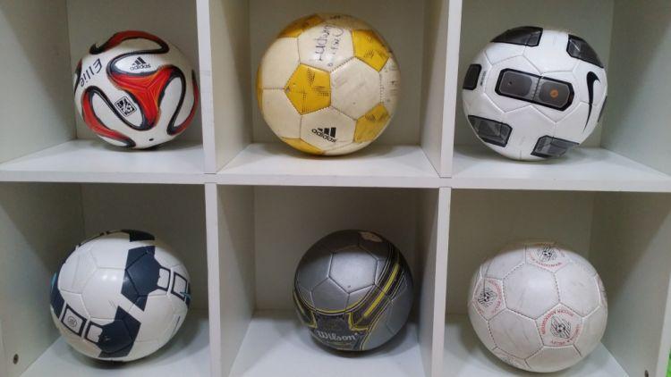 Bola sepak juga bisa jadi hiasan