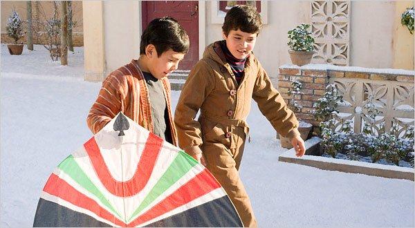The Kite Runner, tentang persahabatan Amin dan Hassan.