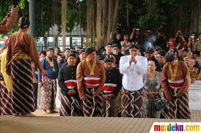 20131021125112-proses-nyantri-pernikahan-gkr-hayu-dan-kph-notonegoro-006-nfi