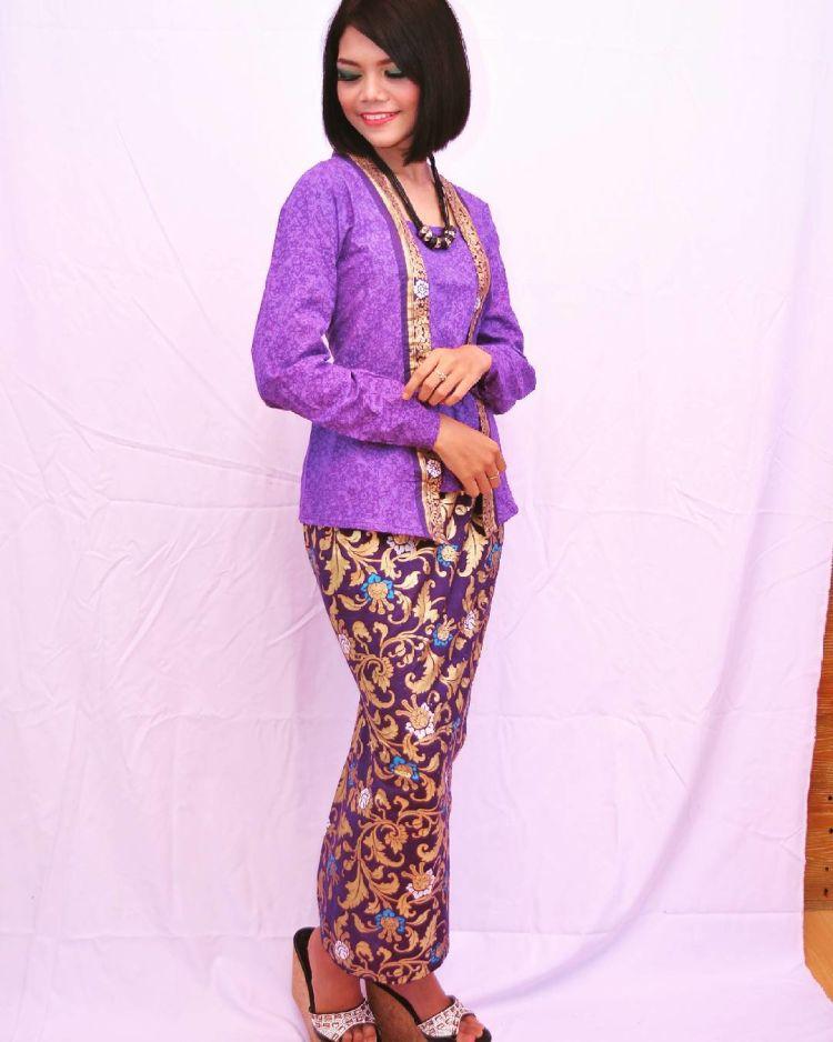 @nia_joliesalon dengan ungu yang unyu