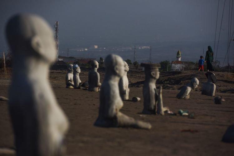 Monumen peringatan bencana semburan lumpur lapindo