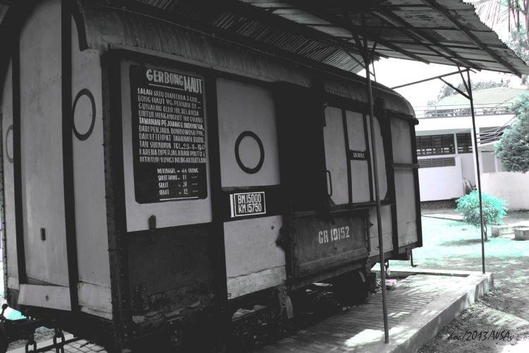 Mungkin trem ini yang akan membawamu ke masa silam. :))