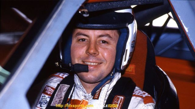 Alan Dennis Kulwicki Meninggal Akibat Kecelakaan Pesawat - 1 April 1993