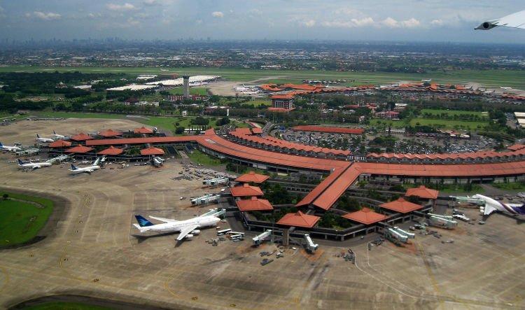 Bandara tersibuk di Indonesia.