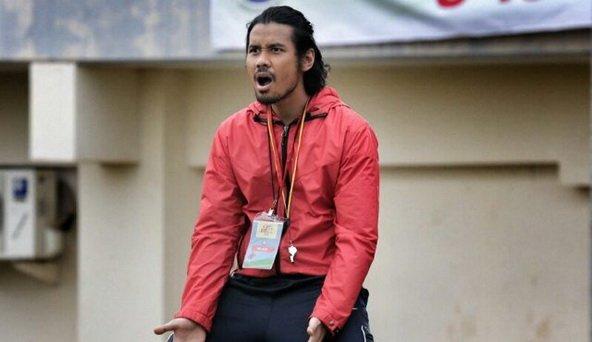Seandainya saja ada banyak pelatih sepakbola seperti Sani.