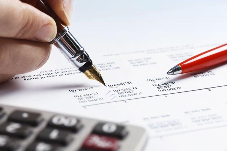 Bayar pajak buat biayain liburan orang.