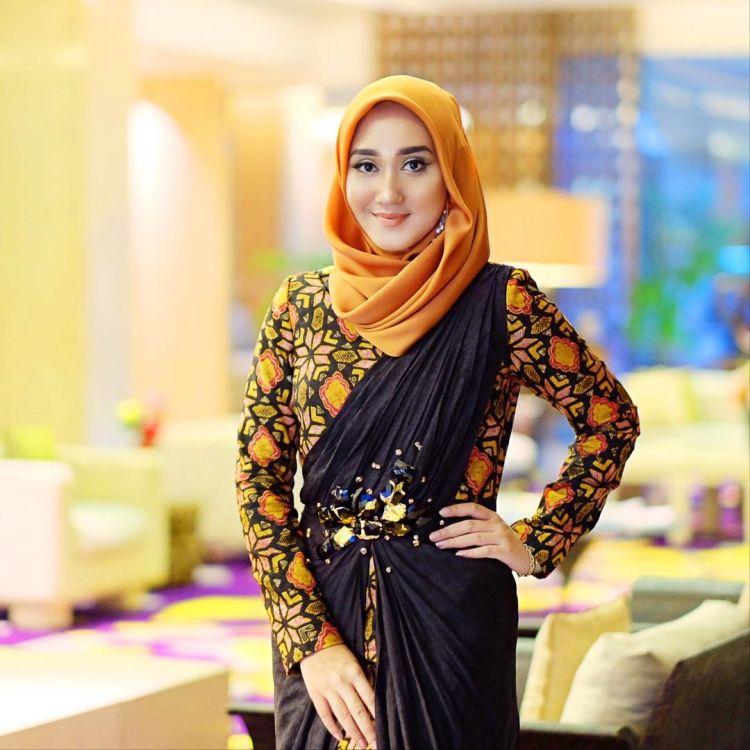 hijab segi empat bergelombang @dianpelangi