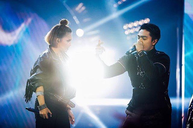 Selain sempat masuk 40 besar Indonesian Idol 4, Deva juga menjajal dunia DJ.