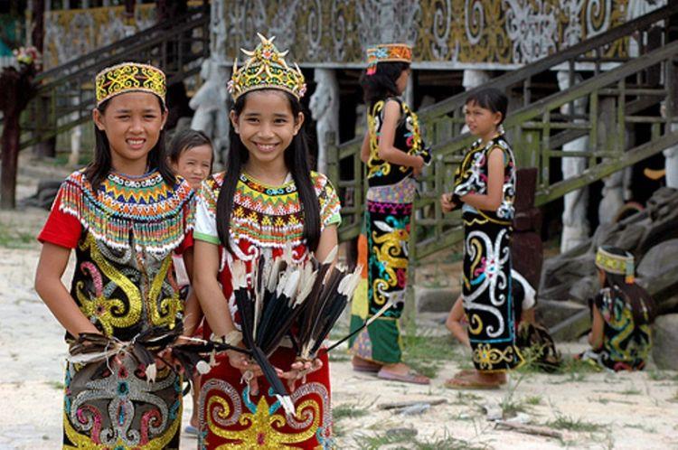 Asli dari Dayak Kalimantan Timur