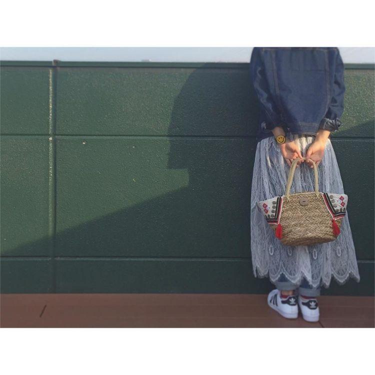 Rangkap saja dengan rok panjang @petit_moriyuki