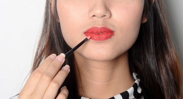 5_How to Apply A Matte Lipstick