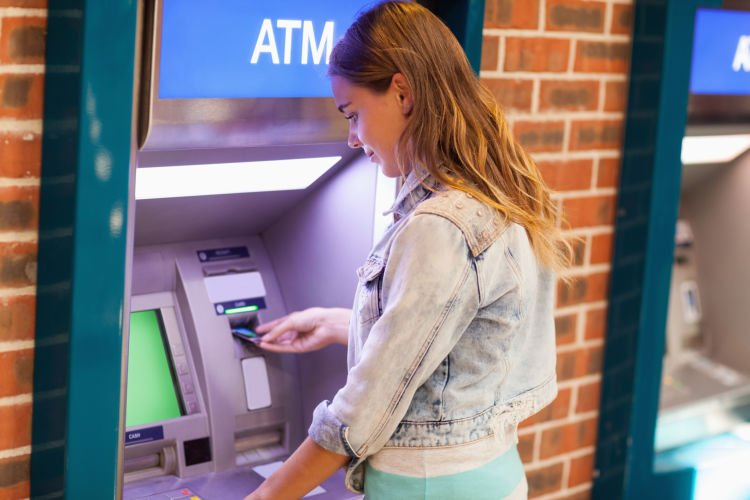 Pacarmu tau pin ATM-mu