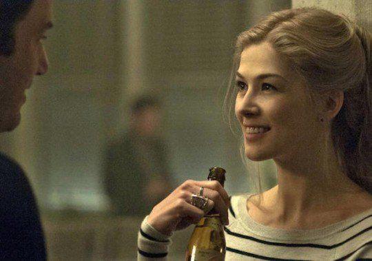 Karakter Amy bikin sang suami- Nick, merasa terancam.
