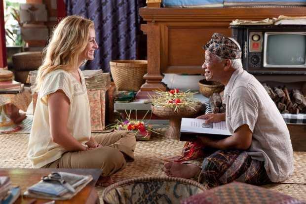 Salah satu adegan dalam film Eat, Pray, Love..