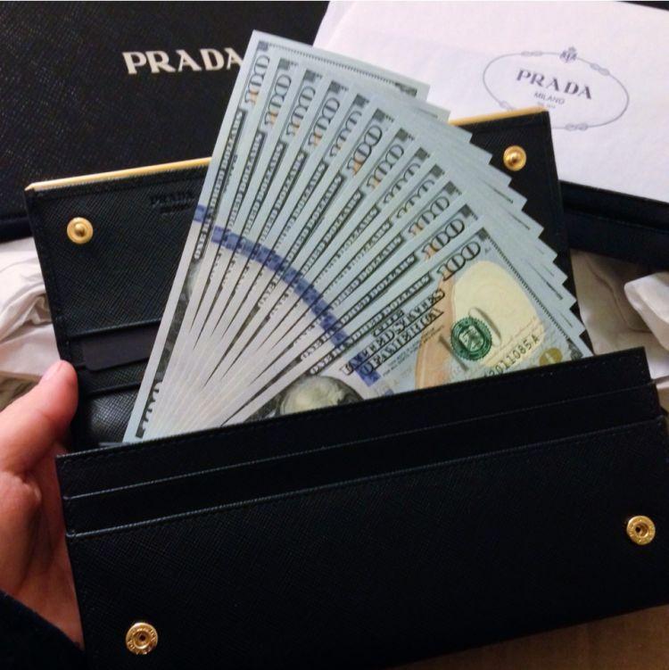 Butuh uang untuk hidup bersama