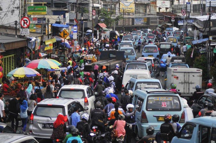 ada yang bisa nandingi macetnya Jakarta?